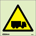7539C - Jalite Warning Heavy Goods Lorries Signs